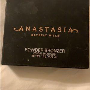 Anastasia - Bronzer - Mahogany -Brand New